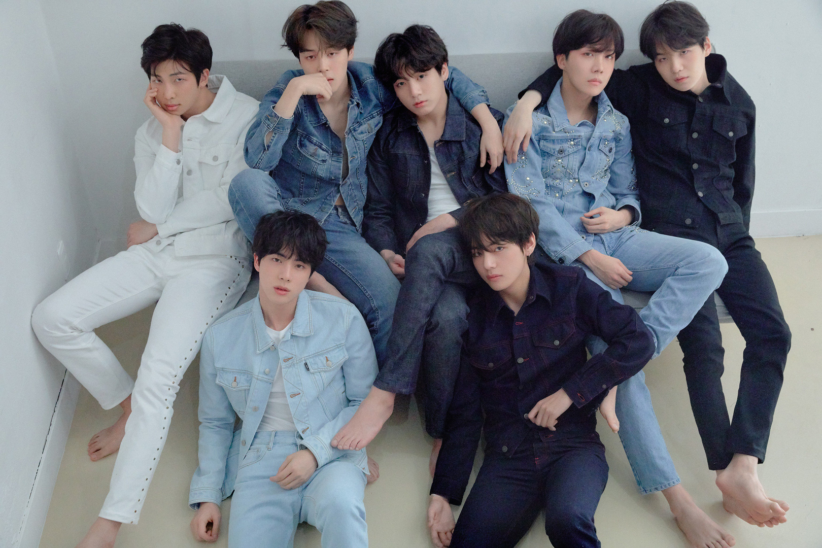 BTS Love Yourself Tear group concept photo R version.png