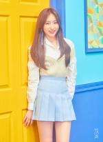 IZONE Lee Chae Yeon COLORIZ promo photo