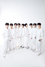 LOUD JYP Team group photo