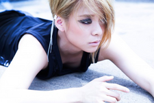 F(x) Amber Red Light concept photo (6)