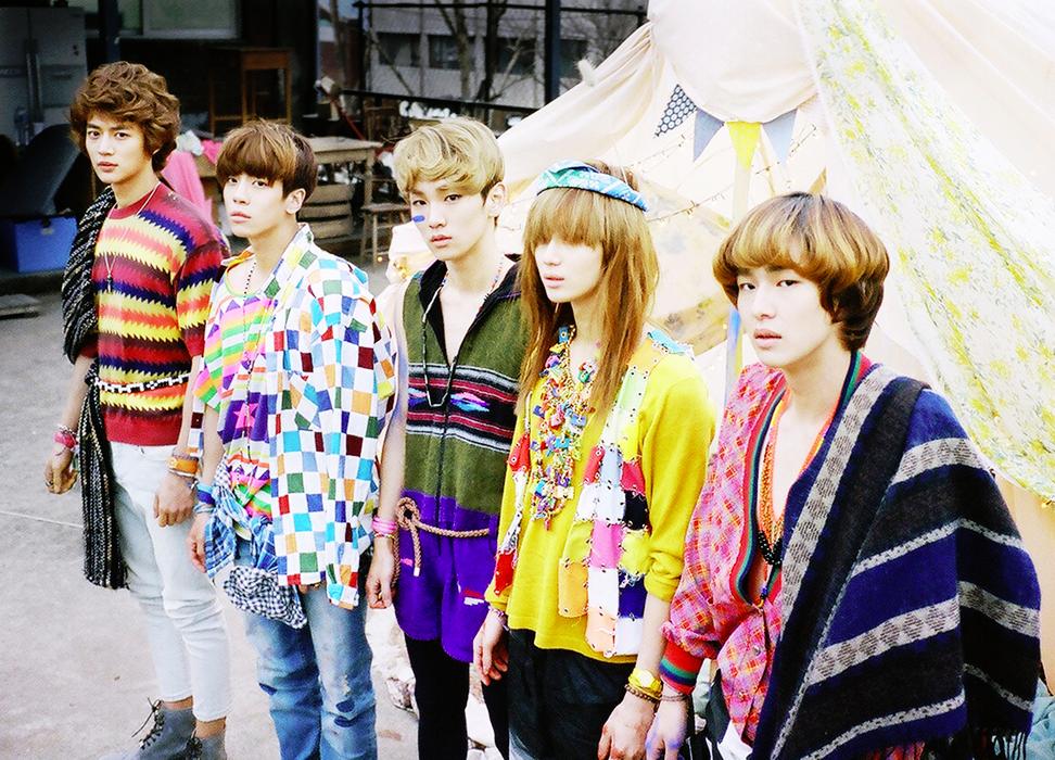SHINee Sherlock group photo.png