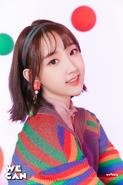 Weeekly Shin Jiyoon We Can B(eautiful) Cut (1)