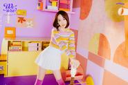 Weeekly Shin Jiyoon We Are B(eautiful) Cut (1)