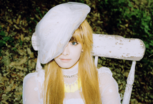 F(x) Victoria Electric Shock promotional photo 2