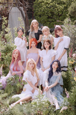 TWICE More & More group concept photo