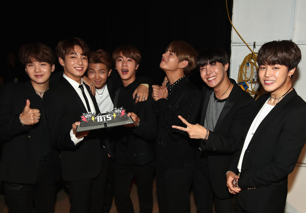 BTS at BBMA's backstage with their Top Social Artist award.png