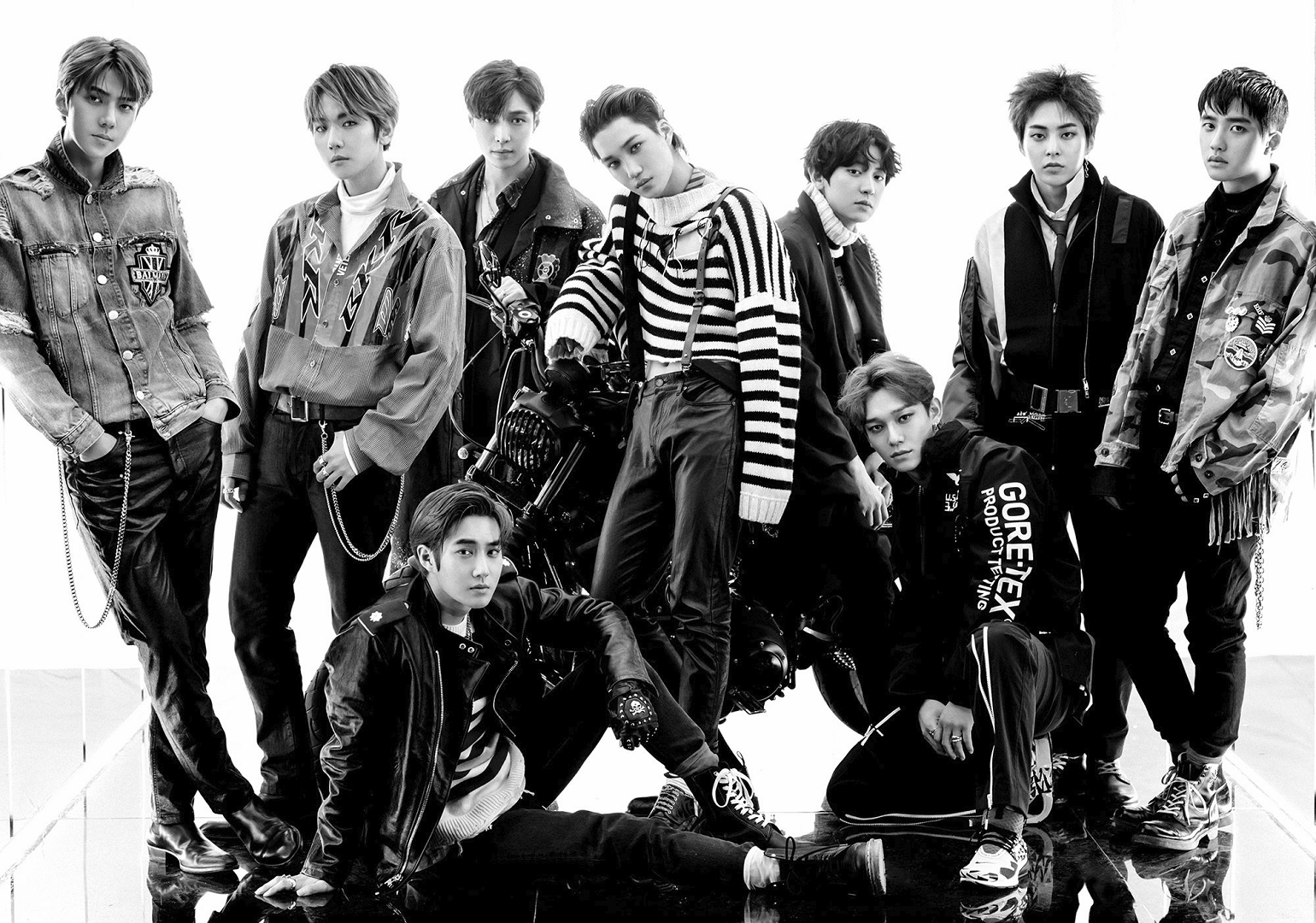 EXO Don't Mess Up My Tempo group promo photo.png