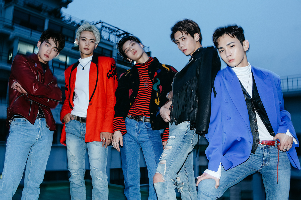SHINee 1 of 1 promo photo 1.png