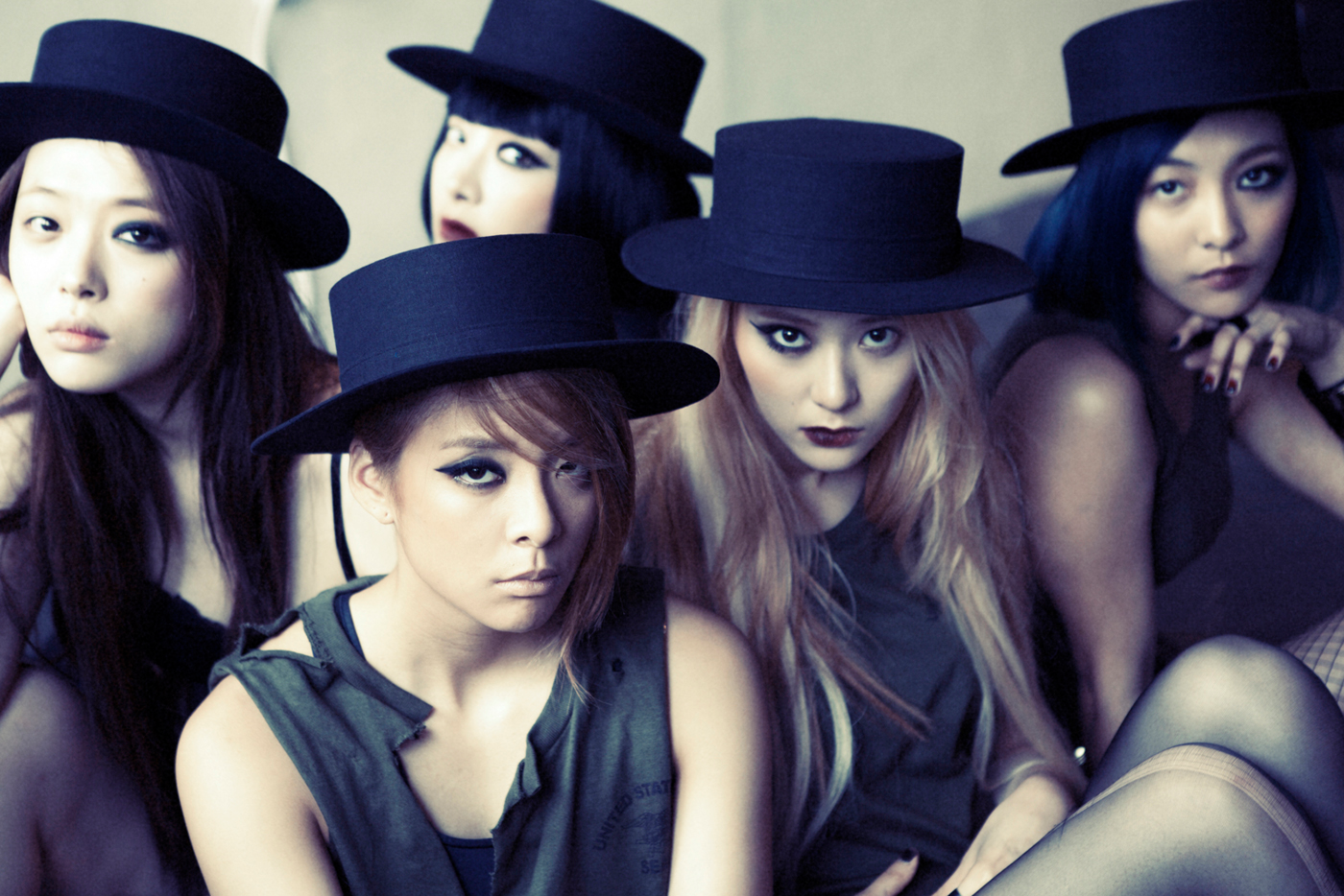 F(x) Red Light group photo.png