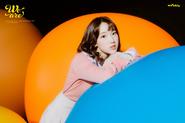 Weeekly Shin Jiyoon We Are B(eautiful) Cut (2)