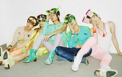SHINee Romeo group photo.png