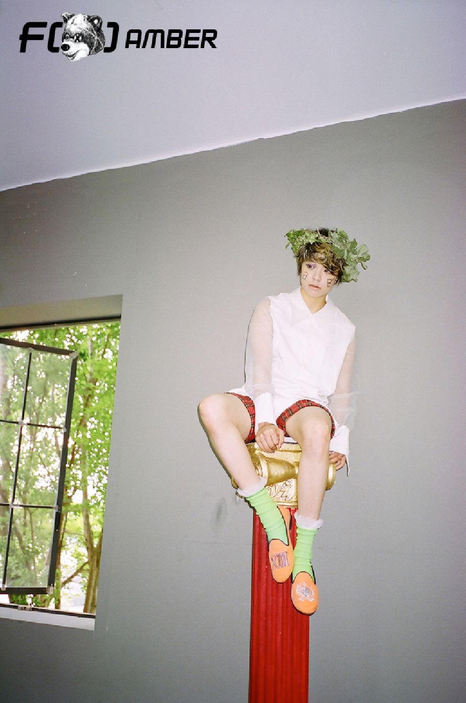 F(x) Electric Shock Amber teaser photo.png