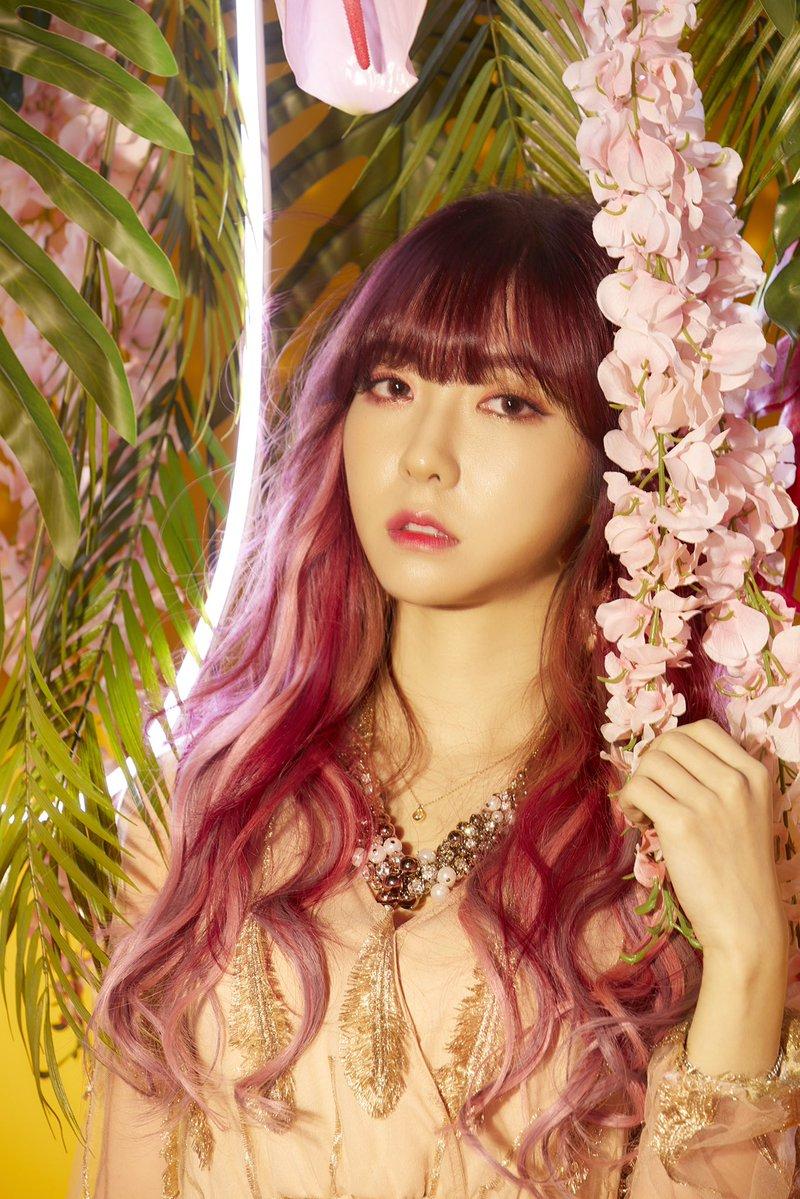 Sora (singer)