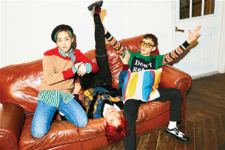 EXO-CBX Hey Mama! group photo 2
