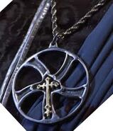 Glaive necklace