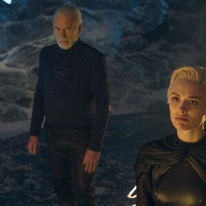Nyssa-Vex exorcizes Brainiac from Seg-El.jpg