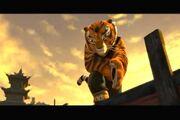 KFP-Tigress De pie bajo la lluvia - YouTube4.jpg