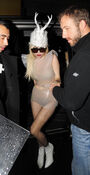 12-5-09 Arriving at Mayfair Hotel in London 004