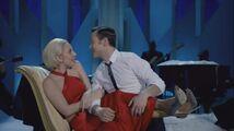 Lady Gaga & The Muppets' Holiday Spectacular & Joseph Gordon-Levitt - Baby it's Cold Outside 001