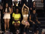8-25-13 MTV VMA's Audience 003