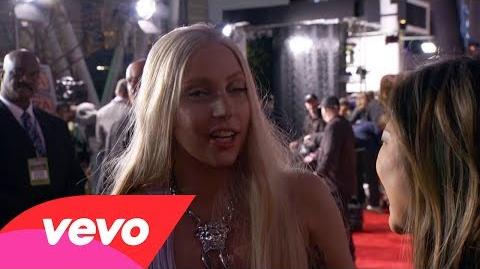 2013 AMAs Red Carpet Interview