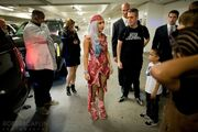 9-12-10 Leaving MTV VMAs in LA 001