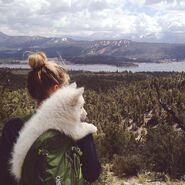 Blonde-dog-girl-mountain-Favim.com-2247121