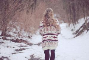 Blonde-girl-photography-snow-sweater-winter-Favim.com-104426