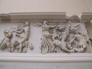 Pergamonmuseum - Antikensammlung - Pergamonaltar 27