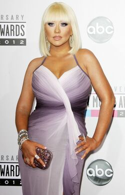 Christina-aguilera-40th-anniversary-american-music-awards-02.jpg