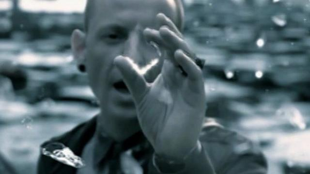 Linkin_Park_-_Castle_of_glass_(featured_in_Medal_of_Honor_Warfighter)_Official_Video