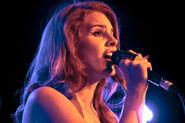 Lanadelrey singing