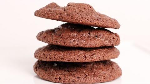 Learn to bake Chocolate Chunk Cake Batter Cookies!