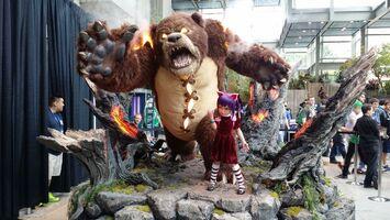 Annie Statue Promo 01