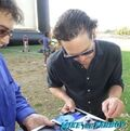 Henry-Thomas-meeting-fans-farspeaker-concert-signing-autgraphs-10
