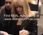 Goldie Hawn Signing autographs