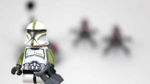LEGO Star Wars Clone Troopers vs. Droidekas Review 75000