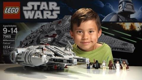 MILLENNIUM_FALCON_-_LEGO_Star_Wars_Set_7965_-_Time-lapse_Build,_Stop_Motion,_Unboxing_&_Review