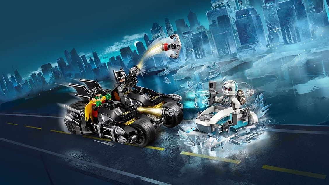 76118 Mr. Freeze contre le Batcycle