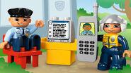 5681 Le poste de police 2