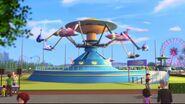41128 Le manège volant du parc d'attractions