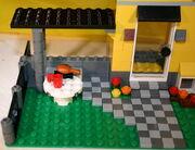 4996 Haus 3 Tisch