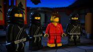 Ninjas noirs-La légende de Ninjago