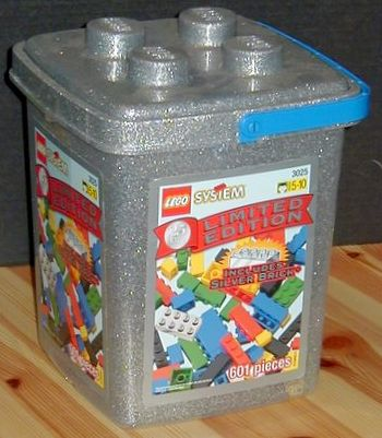 3025 Limited Edition Silver Brick Bucket