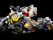 76159 La poursuite du Joker en moto à 3 roues 4