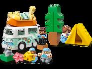 10946 Aventures en camping-car en famille 3