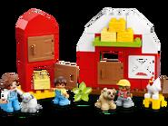 10952 La grange, le tracteur et les animaux de la ferme 7