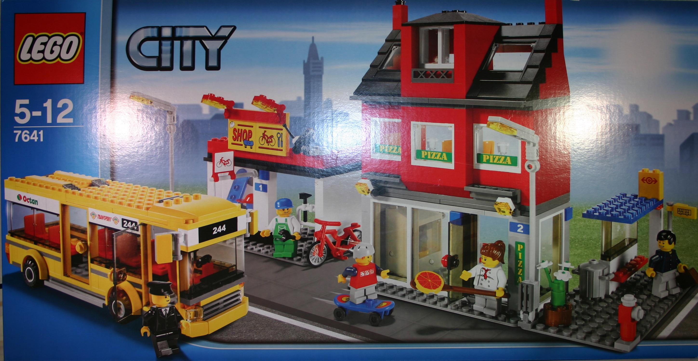 Stadtviertel mit Bus 7641