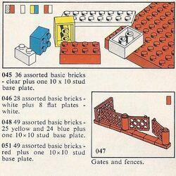 046 28 Assorted Basic Bricks - White Plus 8 Flat Plates - White