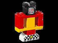 10843 La voiture de course de Mickey 4